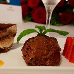 Mousse de chocolate, panacotta y tiramisú | Foto: J.L.C.
