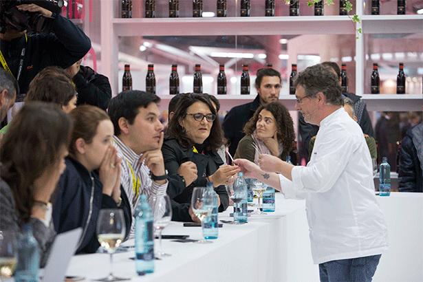 El chef Luis Andoni Aduriz, durante su demostración al público de la feria | Foto: alimentaria