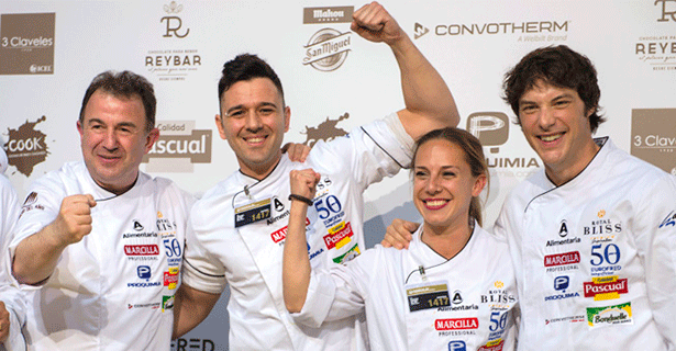 Álvaro Salazar, junto a María Cano, su segunda de cocina celebra el premio junto a Martín Berasategui y Jordi Cruz