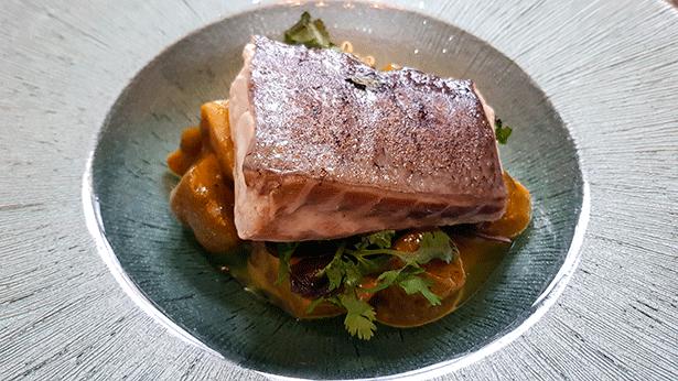 Lomo de cherne con batata y alga wakame | Foto: J.L.C.
