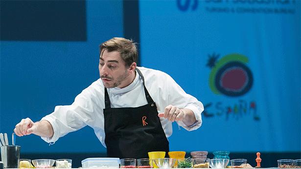 Jordi Roca, en el escenario de San Sebastian Gatronomika | Foto: Coconut
