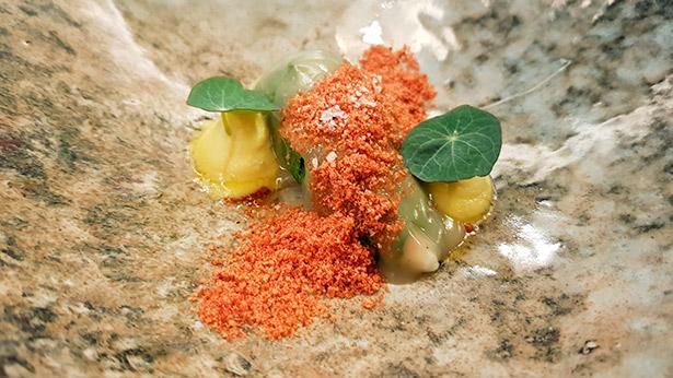 Royal de cigala, acelga y pan de tomate | Foto: J. L. Conde