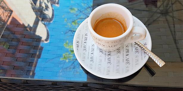Producir una taza de café puede crear desde 80 gr de CO2 hasta 1,3 Kg   Foto: abocados.es