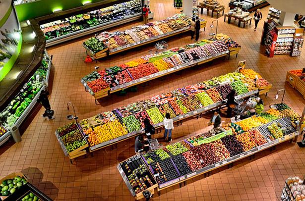 Parecen productos iguales, pero según cómo se hayan producido los alimentos tienen consecuencias muy distintas para el planeta | Foto: ElasticComputeFarm