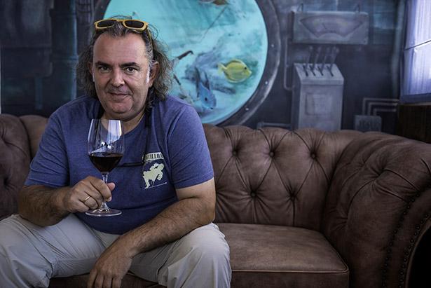 Luis Gutiérrez es el responsable de catar los vinos españoles para la revista Wine Advocate | Foto: Estanis Núñez