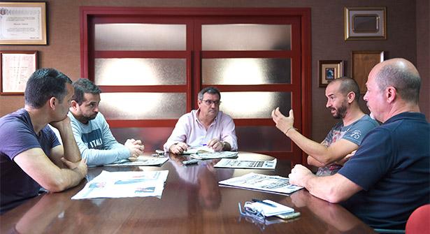 Juan Carlos Clemente, Jesús González, Juan Carlos Padrón, y Braulio Simancas, con José Lui Conde, moderador del debate | Foto: Sergio Méndez