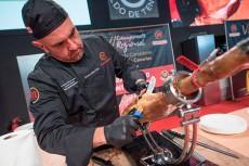 HECANSA organiza un curso de corte de jamón