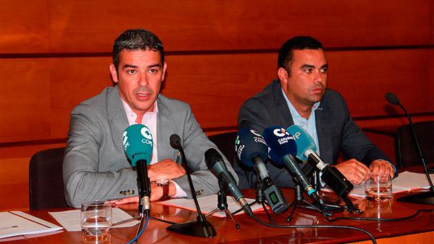 El consejero de Agricultura, Ganadería, Pesca y Aguas del Gobierno de Canarias, Narvay Quintero, y el viceconsejero de Sector primario, Abel Morales