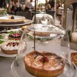 Estación de helados y tartas artesanas, mousse de chocolate y limón