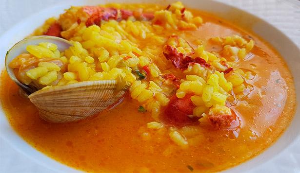 Arroz caldoso de bogavante en el restaurante Magnolia | Foto: J.L. Conde
