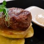 Kefta de cordero con queso brie | Foto: J.L. Conde
