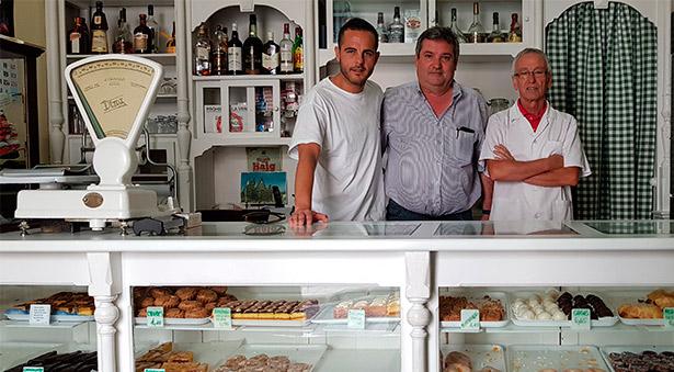 Aguiar, con José L. Conde director de abocados.es y Ángel Rocío, responsable de Casa Egon