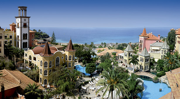 Vista del Hotel Bahía del Duque