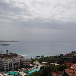 Las vistas de la costa de Adeje desde la cabina, a 50 metros de altura | Foto: J. L. Conde