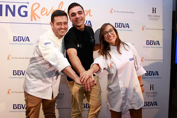 Héctor Pérez Fuentes, Omar Moreno Jiménez y María Fernanda Cortés Mora, los tres ganadores de las becas