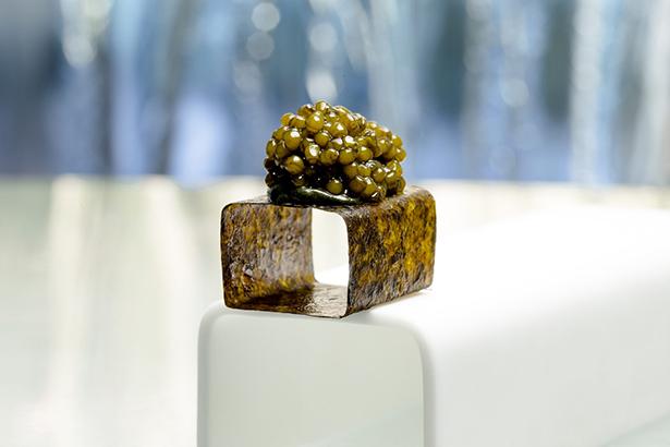 Cubo de caviar en el restaurante Enigma