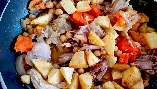 La ropa vieja es uno de los platos que podrá degustarse en Tejeda | Foto: J. L. Conde