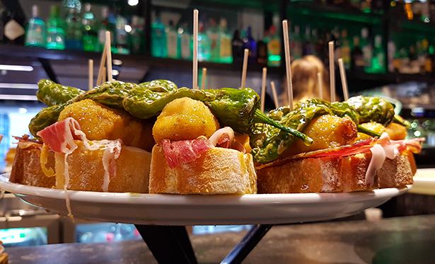 Las miniaturas culinarias deben degustarse en dos o tres bocados | Foto: J. L. Conde