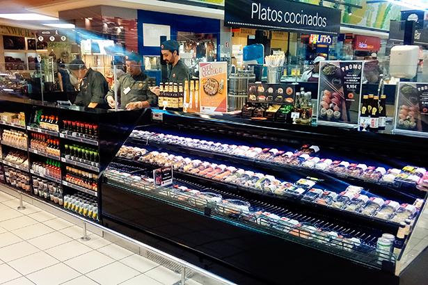 Puesto de sushi en un supermercado Carrefour