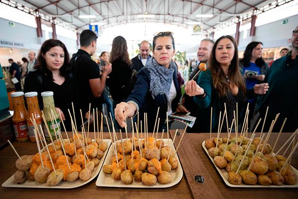 Cientos de personas acudieron este sábado a la segunda jornada de Feria Gran Canaria Me Gusta