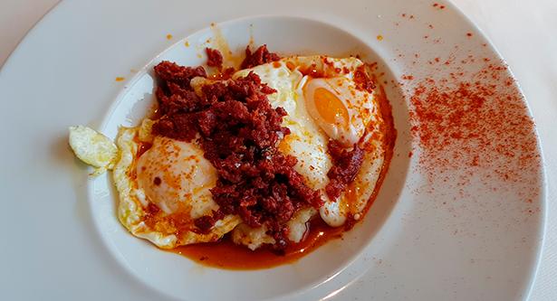 72a231a4047 ... El Corte Inglés de Tres de Mayo. 21 02 2019. en Restaurantes. Huevos  camperos revueltos con chorizo