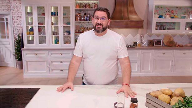 Dani García, en la cocina que estrenará el próximo lunes   Foto: RTVE