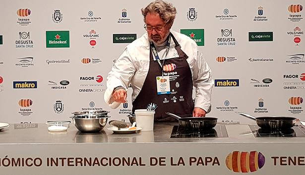 Juanjo López Bedmar, de La Tasquita de Enfrente en Madrid, aceptó el reto de elaborar una tortilla de papas con manteca de cerdo | Foto: José L. Conde