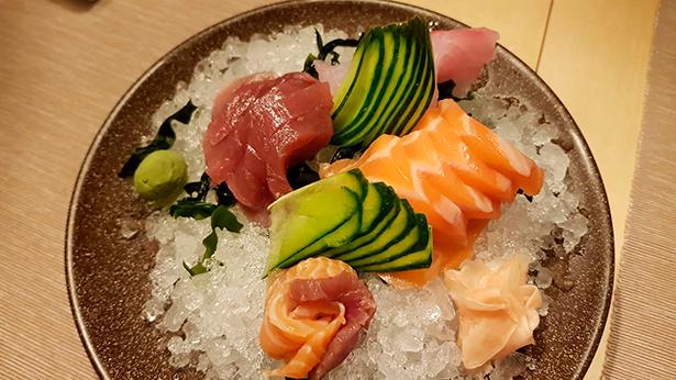 Sashimi de atún y salmón del restaurante Aiko Sushi   Foto: J. L. Conde