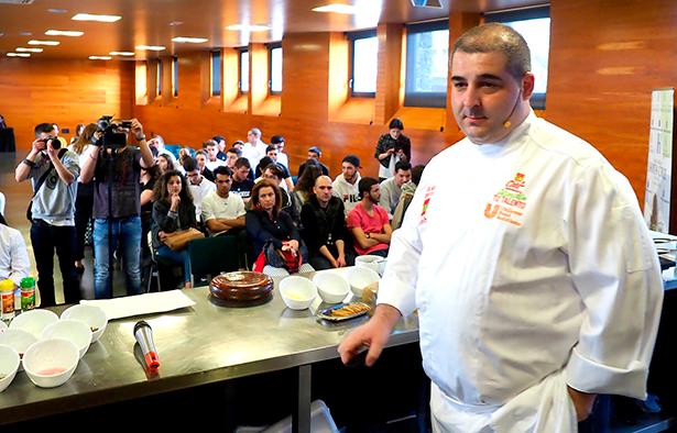 Erlantz Gorostiza, momentos antes de iniciar su demostración | Foto: Sergio Méndez