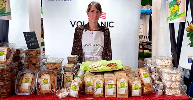 Nivarina, comercializa galletas tejas chasneras, brownies y lenguas elaboradas con harina de plátano verde   Foto: J. L. Conde