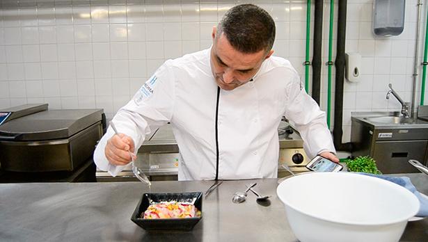 El chef Rubén Cabrera ha asesorado a Hecansa con su nuevo menú