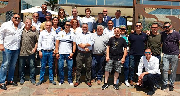 Foto de familia de miembros y colaboradores de Acyre