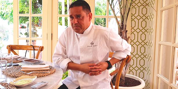 Juan Miguel Cabrera, chef ejecutivo del Bahía del Duque | Foto: J. L. Conde