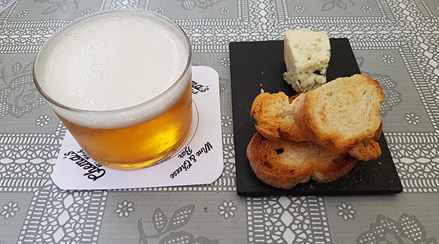 La cerveza es la bebida preferida para acompañar una tapa | Foto: J. L. C.