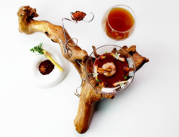 Albert Manso presenta un plato con una secuencia de codorniz y vino