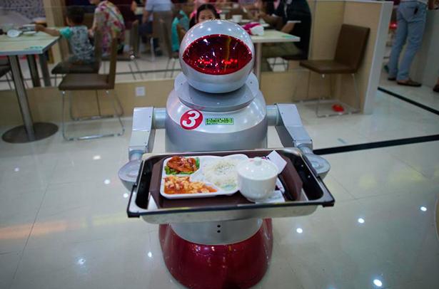 Los robots camareros ya han llegado a España