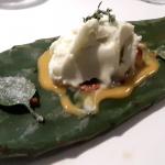 Sorbete de tuno, crema de queso y pasión   Foto: J. L. Conde