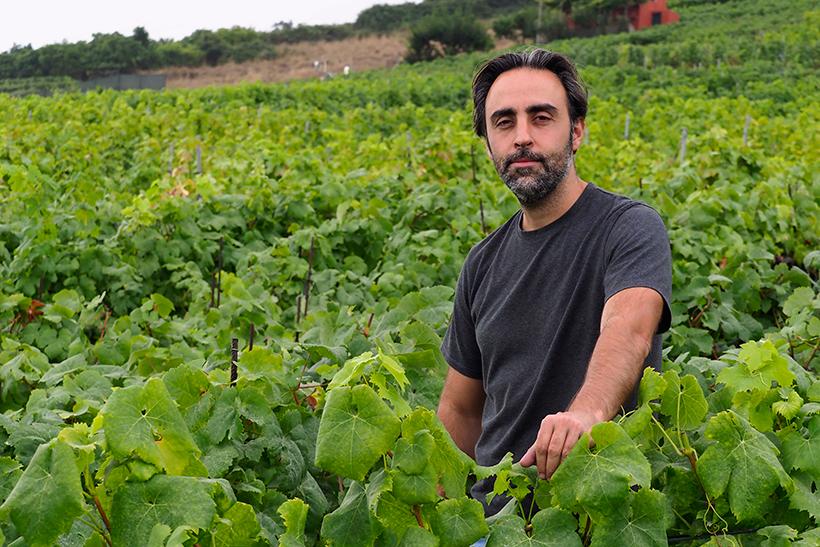 Jonatan García, en sus viñedos | Foto: Sergio Méndez