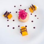 Foiegras con pétalos de cebolla en infusión balsámica y mango crujiente. Le Jardin. Sanom Beach Resort. Gran Canaria | Foto: José L. Conde