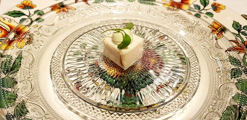 Entrante de queso en el restaurante El Santo, de Las Palmas de Gran Canaria | Foto: José L. Conde