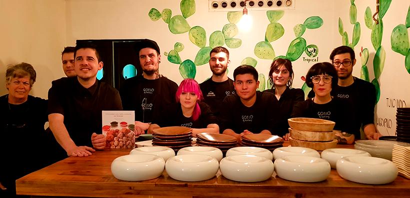 Safe Cruz y su equipo en el restaurante Gofio | Foto: J.L. Conde