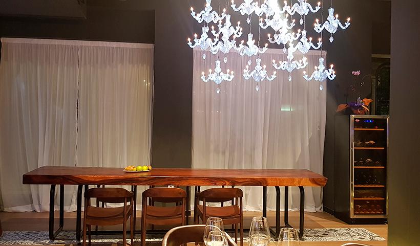 Mesa vacía en un restaurante | Foto: J. L. Conde