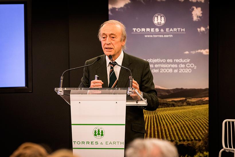 Miguel A. Torres es un bodeguero que hace frente al cambio climático