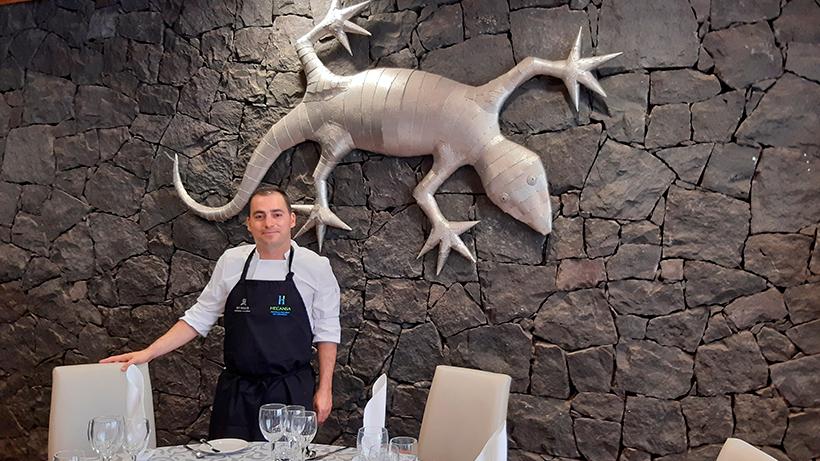 Miguel Navarro, en el comedor del Hotel Escuela de Santa Cruz| Foto: José L. Conde