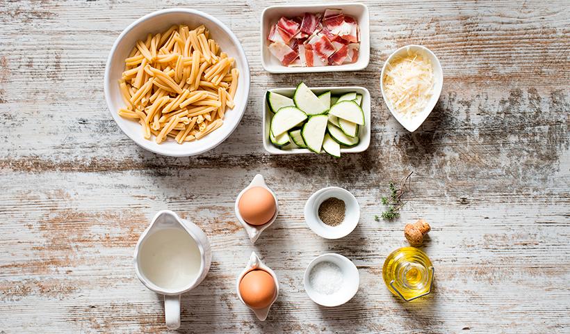 Los ingredientes necesarios para hacer la carbonara de calabacín | Foto: Ana Casanova