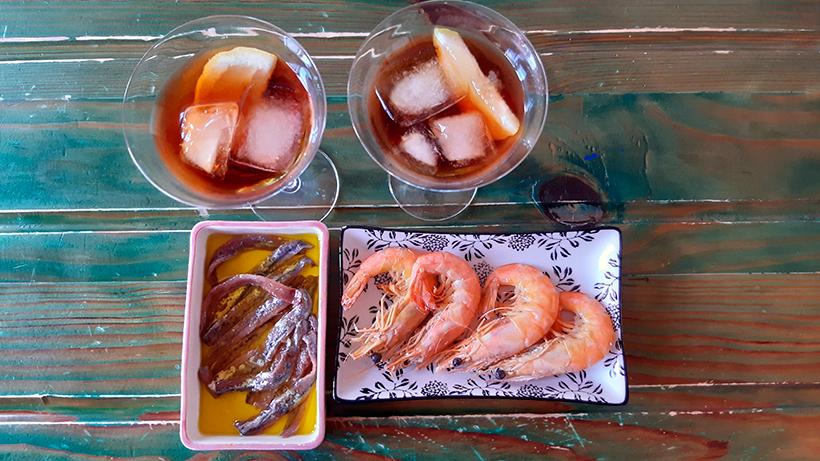 El aperitivo lo tomamos ahora dentro de casa | Foto: José L. Conde