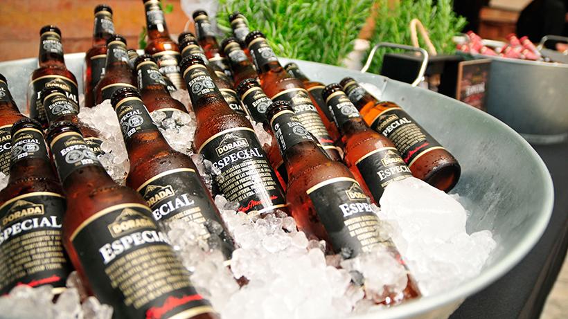 Botellas de Cerveza Dorada