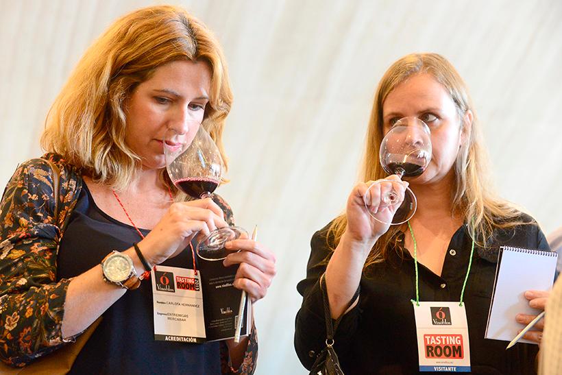 La percepción del aroma del vino puede variar dependiendo del flujo y la composición de la saliva | Foto: Sergio Méndez