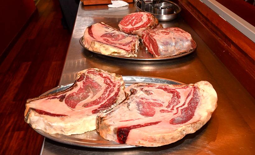 Algunas de las piezas de carne servidas en Brunelli's | Foto: Moisés Pérez