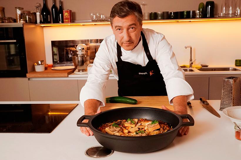 Joan Roca presenta el pollo con sanfaina, la receta de gastronomía sostenible de julio